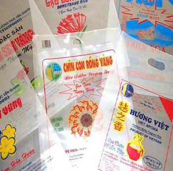 Công ty TNHH TM- SX Đại Toàn Phú nhận in lên túi nhựa theo yêu cầu.